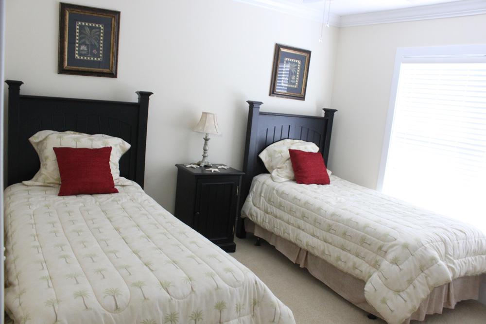 Twin Bedroom Before