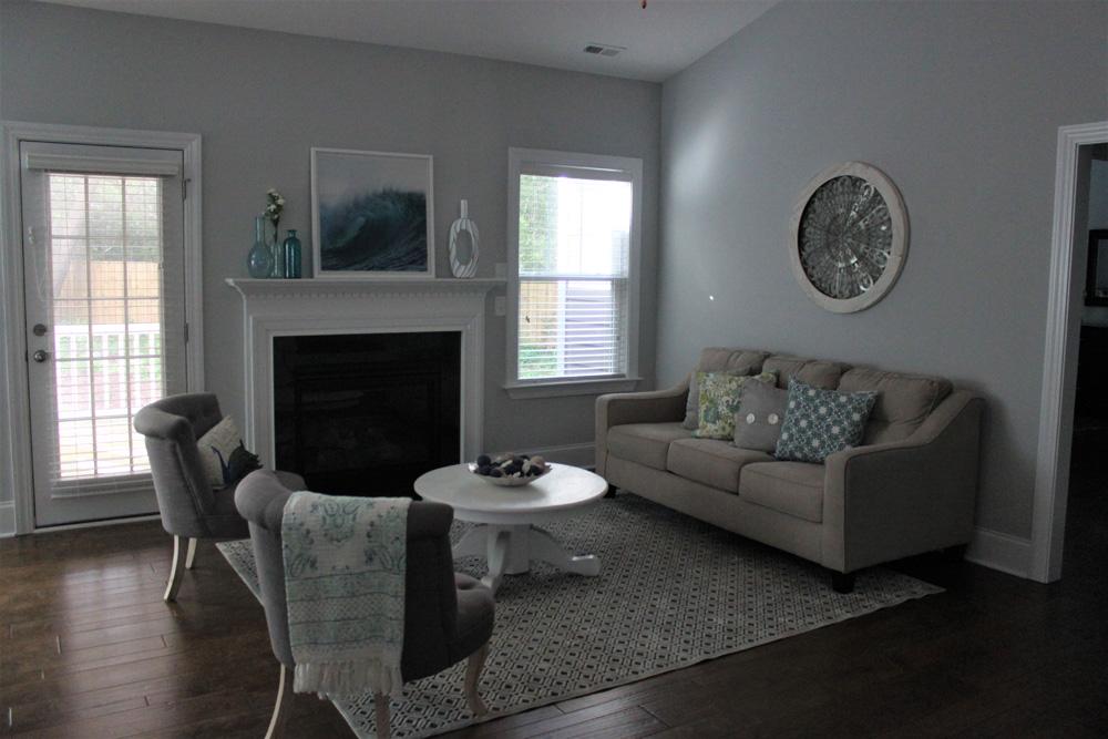Living room 1 Bayshore